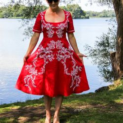 Linen short sleeves open back hand embroidered swing red dress
