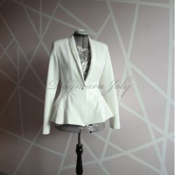 Ivory fit and flare tuxedo woman skirt suit