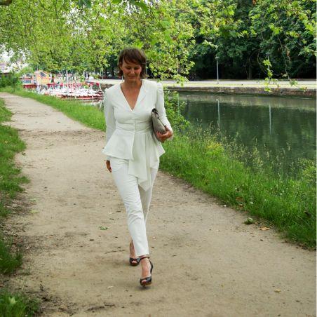 Veste mariage femme ivoire à basque asymétrique