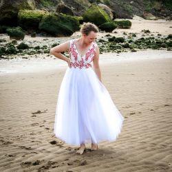 White long tulle  sleeveless open back wedding dress
