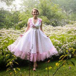 White calf length wedding sleeveless open back tulle dress